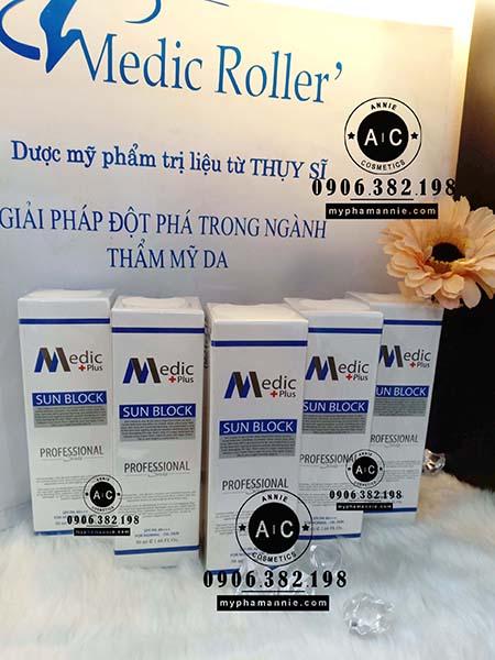 Kem Chống nắng Trang điểm Medic Plus Kem chống nắng Medic Roller Sun Block SPF40/PA+++ cho Da dầu và Da thường